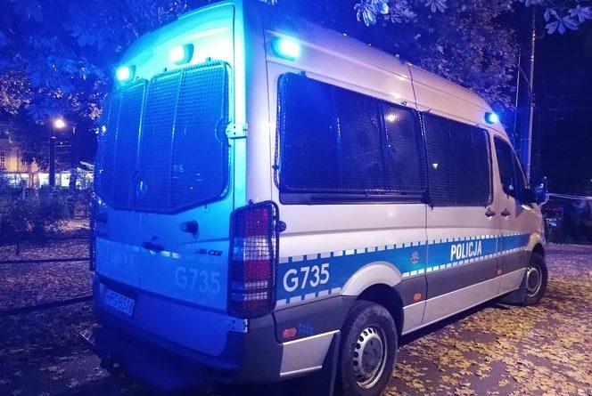 Policja prosi o pomoc w ujęciu nożownika z Olsztyna [WIDEO Z NAPADU+18]