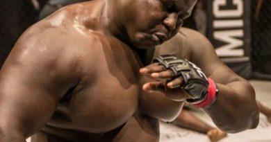 """KSW 59. Kolos z Senegalu kontra""""Pudzian"""". Egzotyczny przeciwnik to 140 kg siły [WIDEO]"""