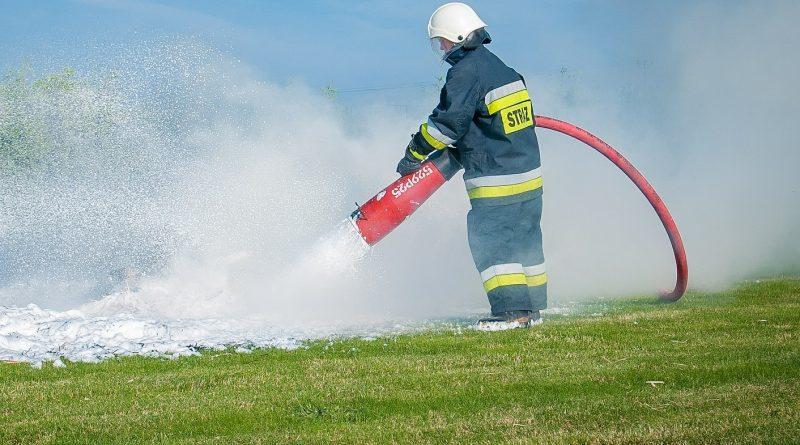 MSWiA chce wydać prawie 28 milionów złotych na legitymacje strażackie