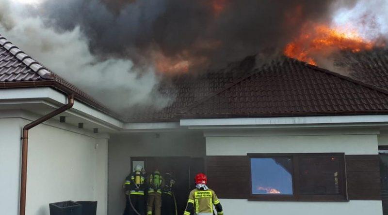 Coraz więcej pożarów domów z instalacją fotowoltaiczną. Co jest przyczyną tragedii?