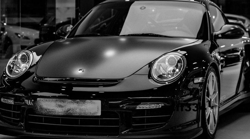 Niepełnosprawny zginął pod kołami Porsche