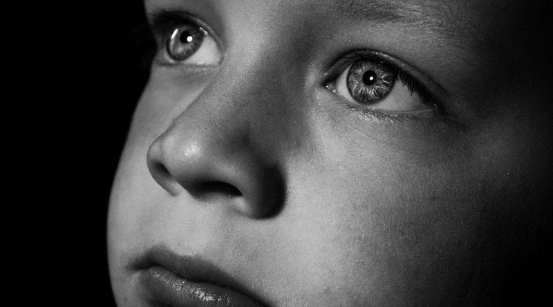 Wielka Brytania wycofuje się z planu masowych szczepień dzieci!