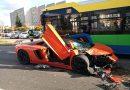 Rozbili luksusowe Lamborghini i uciekli z miejsca wypadku