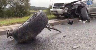 Dramatyczny wypadek zarejestrowany przez kamerę samochodową [WIDEO]