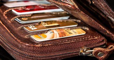 Policjantka z CBŚP ukradła klientce portfel!
